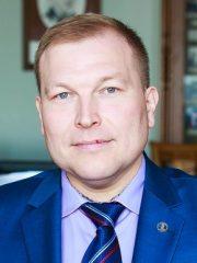 Салихов Ильсур Ильгизович - вице-президент Ассоциации предпринимателей-мусульман Российской Федерации, руководитель Международной школы исламского бизнеса, экономики и права - ISIBEL, член Президиума