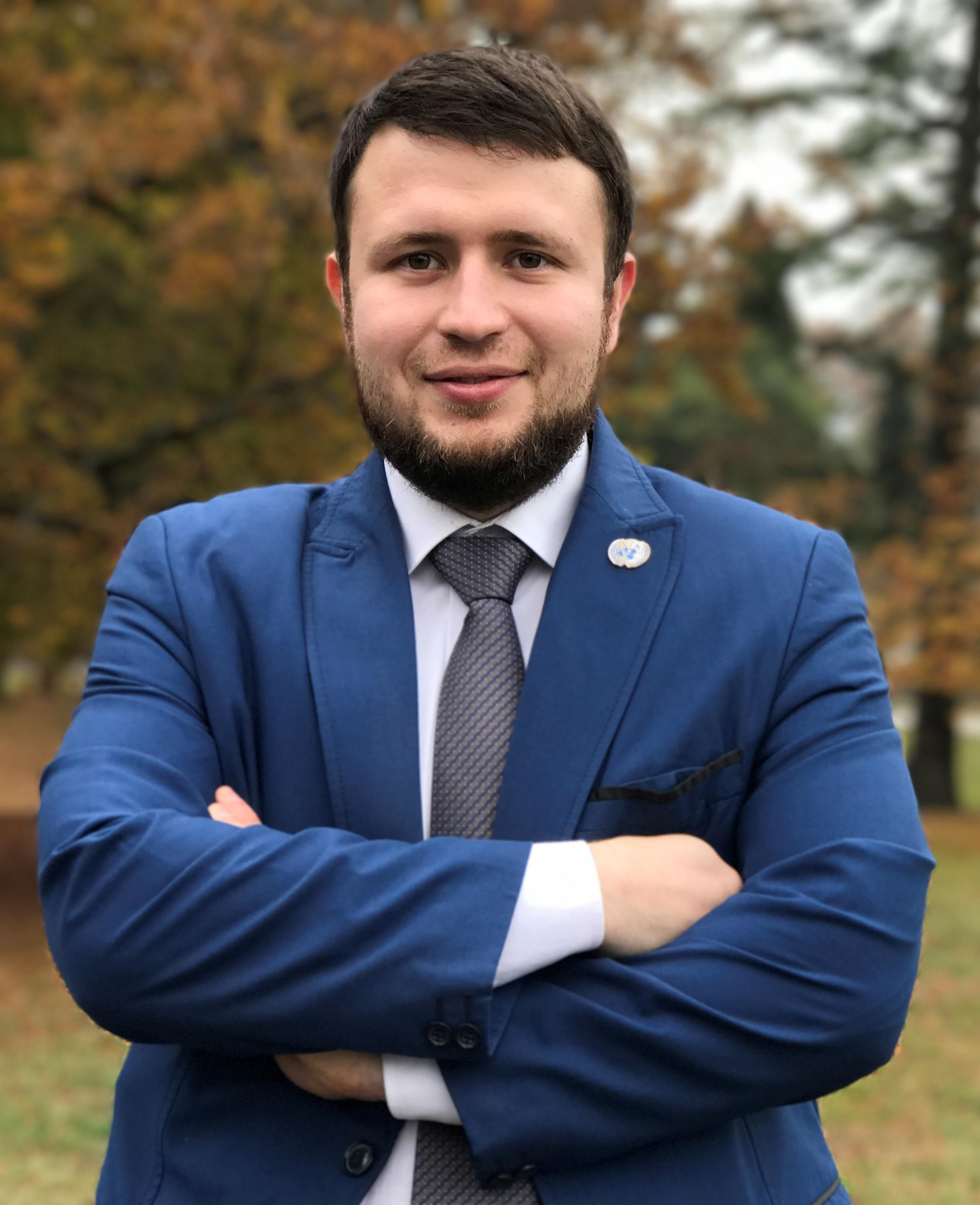Сабиров МарсельМаратович - вице-президент Ассоциации предпринимателей-мусульман Российской Федерации,исполнительный директор АПМ РФ
