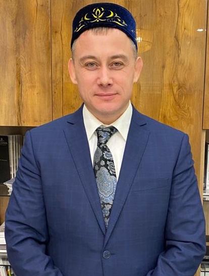 Муллахметов Ахмет Ханифович - руководитель Центра трудоустройства, подготовки и переквалификации кадров Ассоциации предпринимателей-мусульман Российской Федерации